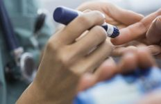 Sudah 48 Meninggal, Program Vaksin Tetap Dilanjutkan - JPNN.com