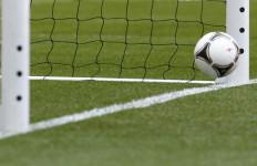 Gara-gara Wasit, 3 Gol Gratis buat Tuan Rumah, Lihat.. - JPNN.com