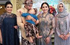 Raffi Ahmad dan Nagita Slavina Rayakan 6 Tahun Pernikahan, Begini Doa Rieta Amalia - JPNN.com
