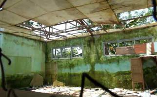 Bangunan Kelas Roboh, Siswa Terpaksa Mengungsi - JPNN.com