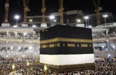 Pertama Dalam Sejarah, Warga Arab Saudi Dilarang Umrah - JPNN.com