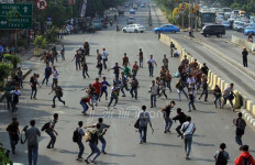 Tawuran Pelajar di Sukabumi Pecah, Jleb! RLP Tewas Dibacok - JPNN.com