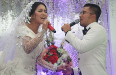 Ihsan-Denada Sudah Putus? - JPNN.com