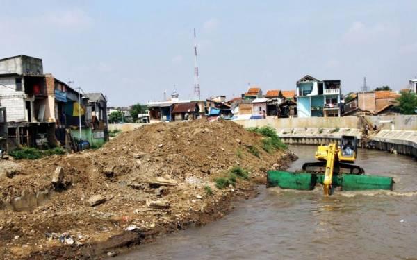 Banjir Datang Lagi, Normalisasi Kali Dikebut - JPNN.com