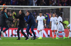 Kalah dari Barcelona, PSG Diserang Fans di Bandara - JPNN.com