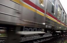 Kereta Jurusan Bekasi-Manggarai Anjlok di Jatinegara - JPNN.com