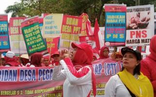 Akhir Penantian Bidan PTT Usia Lebih 35 Diangkat jadi CPNS - JPNN.com