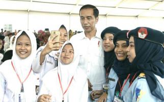 Jokowi: Awas Kalau Tidak Dilayani! - JPNN.com