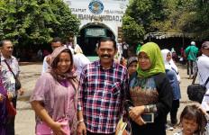 Wako Solo Kunjungi Makam Mbah Priok - JPNN.com