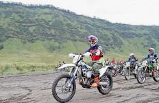 Pak Pangdam Naik Motor Trail demi Nikmati Pesona Bromo - JPNN.com