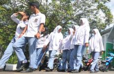 Sejumlah SMA/SMK Pungut SPP, Perda Sekolah Gratis Direvisi - JPNN.com