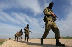 Makin Terdesak, Pemberontak Suriah Berlindung di Kamp Turki - JPNN.com