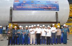 Kunjungi Bengkel PT Pal, Pak Luhut Makin Optimistis - JPNN.com