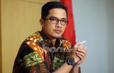 KPK Tahan Dudy Jocom Terkait Korupsi Gedung IPDN Agam - JPNN.com