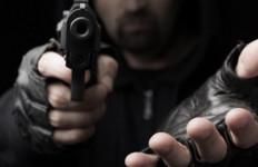 HP Anak Hilang, PNS Ini Ancam Tembak Siswa dalam Kelas - JPNN.com