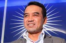 Teguh Juwarno Mengaku Tak Pernah Hadiri Rapat e-KTP - JPNN.com