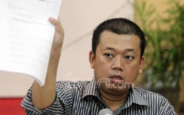 Nusron Yakini Pujian Presiden Jokowi Bukanlah Restu buat Airlangga Pimpin Golkar Lagi - JPNN.com