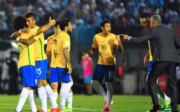Brasil Memang Kejam! Uruguay Dipukul 4-1 - JPNN.com