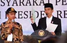Jokowi Serahkan 25 Sertifikat Tanah Wakaf di Masjid Bengkulu - JPNN.com