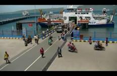 Peringatan untuk Nakhoda, Angin Kencang Landa Selat Bali - JPNN.com