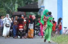 Pengungsi Syiah Rindu Kampung Halaman - JPNN.com