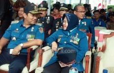 PNS Dapat Hukuman Hormat Bendera Setengah Jam - JPNN.com
