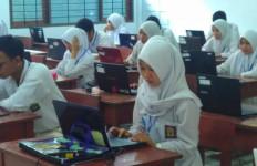 Ujian Nasional Dibatalkan, Fahira Idris: Keputusan Tepat - JPNN.com