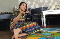 Sarwendah Cuek ke Pasar Pakai Daster - JPNN.com