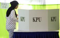 Stiker dan Permen Untuk Pilkada Damai Jakarta - JPNN.com