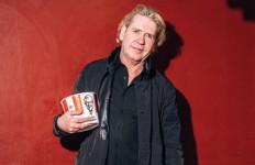 Kisah Produser U2 Jualan CD di KFC Indonesia - JPNN.com