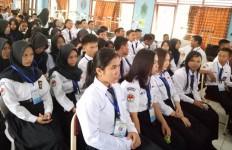 Jumlah Pengangguran Lulusan SMK Menurun? - JPNN.com