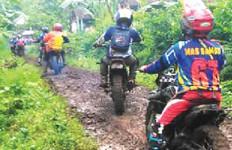 Komunitas Motor Trail Diusir Penjaga Sabana Bromo - JPNN.com
