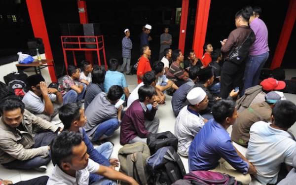 Puluhan TKI Ilegal dari Malaysia Diamankan dari Perairan Tanjungbalai - JPNN.com