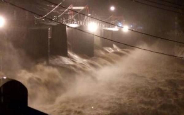 Bendung Katulampa Siaga 1, Warga DKI Jakarta Waspada Banjir ya - JPNN.com