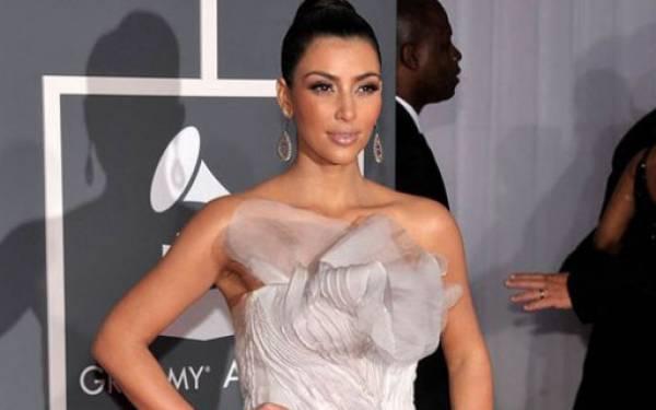 Kim Kardashian Ikut Memprotes Facebook - JPNN.com