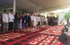9 Ulama Pimpin Puluhan Ribu Warga Ikuti Istigasah Kubra - JPNN.com