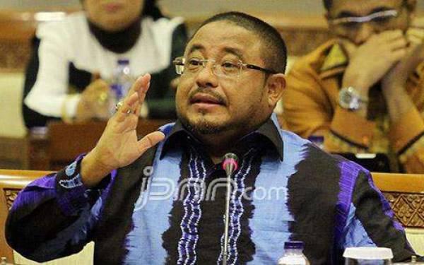 Aboebakar Alhabsyi Soroti Penyelundupan Pupuk dari Tiongkok - JPNN.com