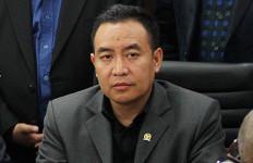 Stafsus Presiden Andi Taufan Garuda Surati Camat, Begini Respons Anggota DPR - JPNN.com