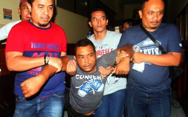 Terungkap! Pembunuh Sekeluarga Itu Juga Pernah Bunuh Selingkuhan Istri - JPNN.com