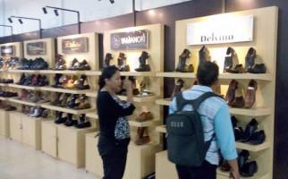 UKM Binaan Tawarkan Sepatu Kulit Berkualitas di Rumah Desain - JPNN.com