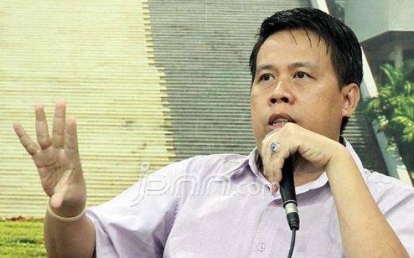 Uchok: Utang Menumpuk, Rp 35,76 T untuk THR dan Gaji ke-13 - JPNN.com