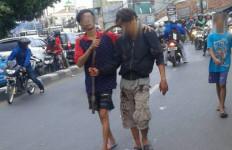 Polisi Cek Foto Remaja dengan Kepala Tertancap Celurit, Ngeri - JPNN.com