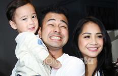 Sikap Tegar Raffi dengan Gosip Cinta Segitiga Bareng Ayu Ting Ting - JPNN.com