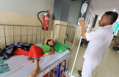 Kabar Menggembirakan Bagi Dokter dan Bidan PTT soal Gaji - JPNN.com