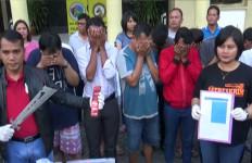 Ulalala...14 Pria Tertangkap Lagi Indehoi di Kamar Hotel - JPNN.com