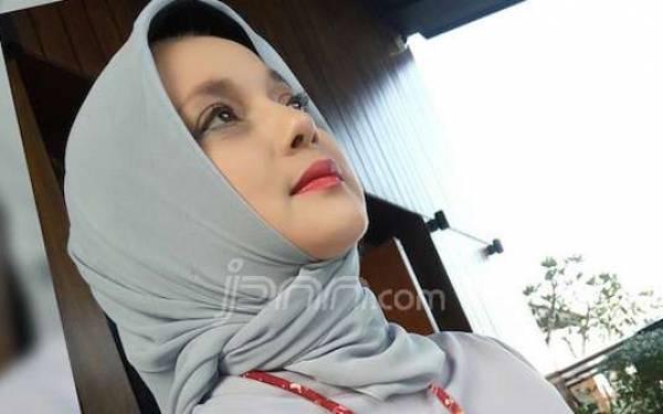 Marissa Haque Dibully Lagi, Katanya Doktor tapi gak Tahu Hari Pancasila - JPNN.com