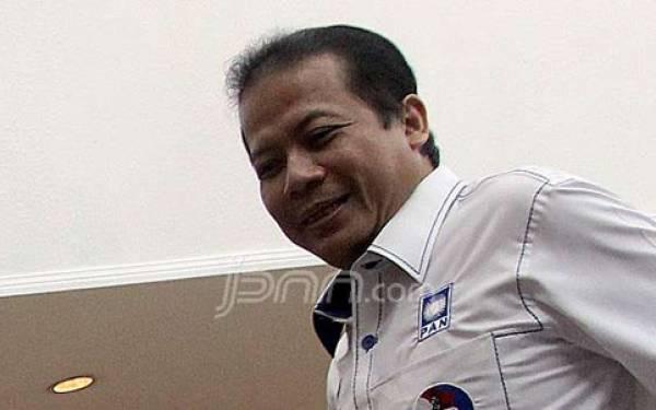 Taufik Kurniawan Pilih Penuhi Panggilan KPK di Hari Jumat - JPNN.com