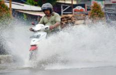 Waspada, Cuaca Ekstrim akan Melanda Jambi hingga Akhir Mei - JPNN.com