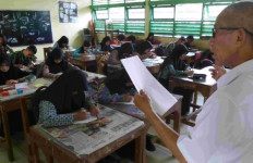 Gaji Guru Swasta Kena Imbas Akibat Kurang Murid - JPNN.com
