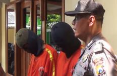 Dua Remaja Ini Hobinya Mencuri Kotak Amal - JPNN.com